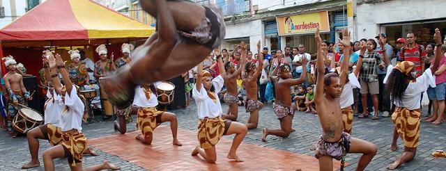 Balli acrobatici in preparazione degli Spettacoli del Pe no chao